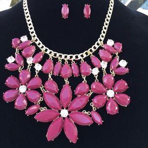 🌺Burgundy Floral  Necklace & Earring  Set🌺